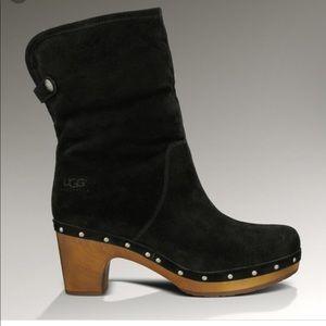 UGG Women's Lynrea Black Suede Boots
